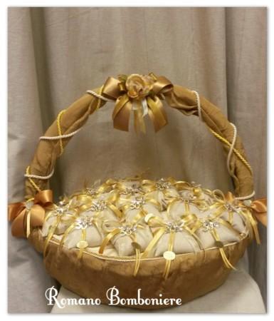 Bomboniere per nozze d 39 oro romano bomboniere for Amazon oggettistica